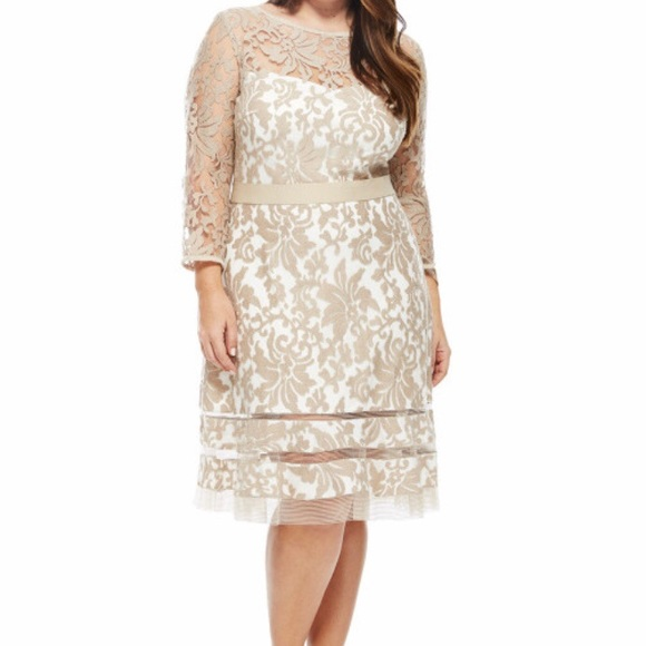 Tadashi Shoji ivory plus size dress. Size 20Q.